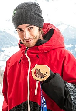 Médaille de Bronze pour Kevin Rolland à Sochi 2014 (cropped).jpg