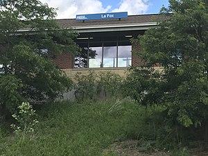 La Fox station - Image: METRA La Fox Station 008