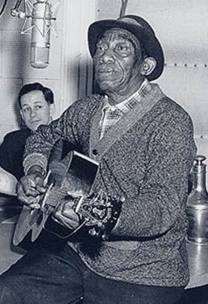 Mississippi John Hurt - Hurt making a recording for the Library of Congress in 1964