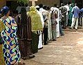 Mali voters 28apr 2002.jpg