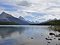 Maligne Lake - panoramio.jpg