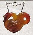 Manifattura cinese, pendente in corniola a forma di drago.JPG