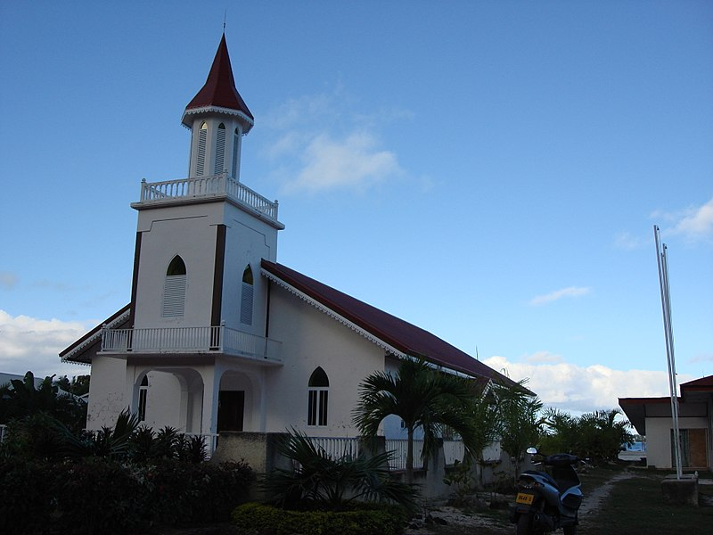 File:Maohi Protestant Church on Anau, Bora Bora.jpg