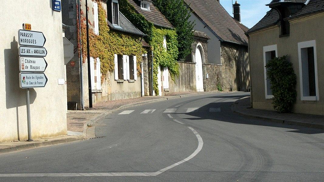 Départementale 25 à Menetou-Salon en direction de Parassy, Morogues et Les Aix-d'Angillon