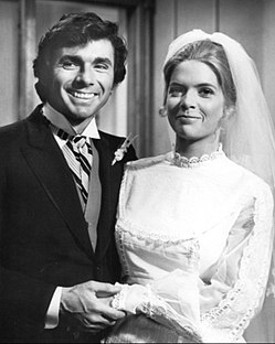 Meredith Baxter David Birney Bridget Loves Bernie 1972.JPG
