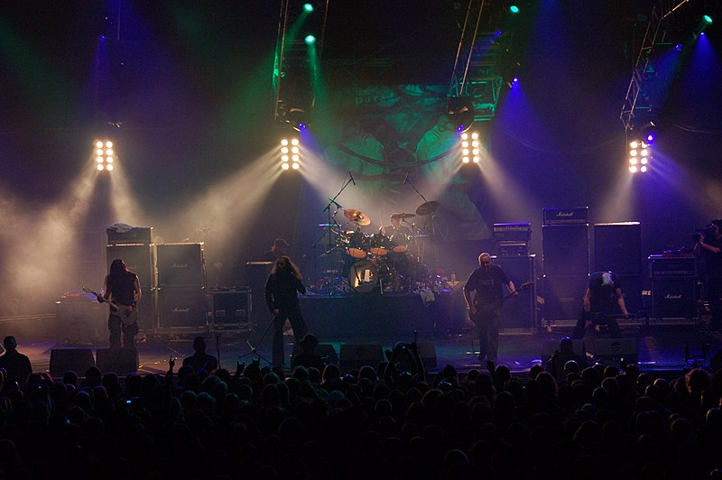 Image:Metalmania 2007 - Paradise Lost 04.jpg