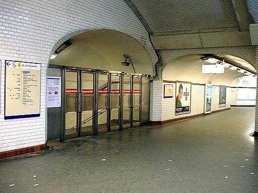 Metro de Paris - Ligne 1 - Porte Maillot 08