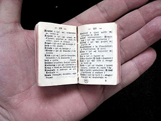 Bilingual dictionary - A miniature Danish–French dictionary