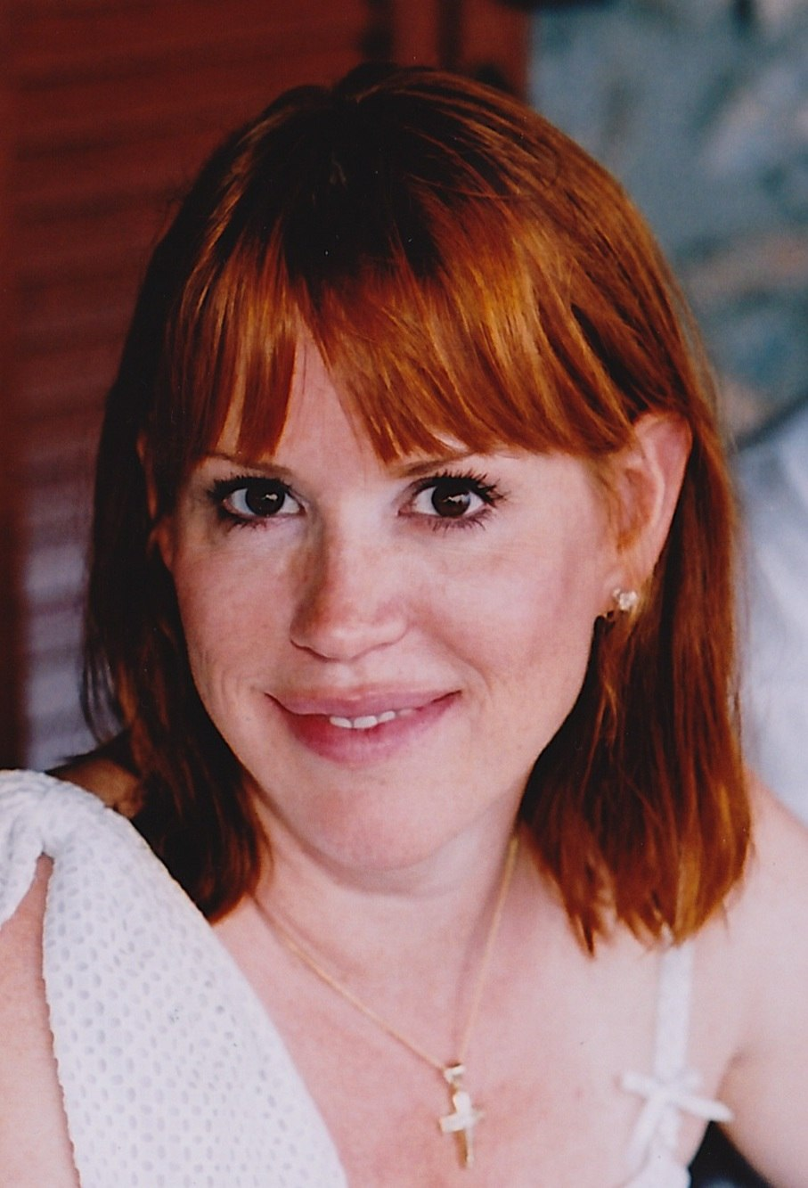 Molly Ringwald in Greece (cropped)