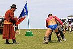 Mongolskie zapasy na lokalnym festiwalu Naadam (27).jpg