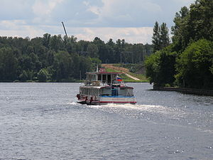 Moskva-143 on Moskva-Volga Channel 18-jul-2012 02.JPG