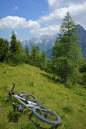 Mountain biking - Mountain bike touring in high Alps
