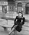 Női portré, 1943 Budapest. Fortepan 5104.jpg