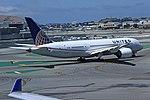 N26910 B787 United SFO 28-05-17 (36338587190).jpg