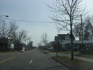 New York State Route 18 - NY 18 eastbound in Rochester about a half-mile north of NY 104