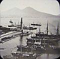 Napoli, il Porto con Molo e Lanterna.jpg
