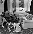 Nederlands gezin jaren '50 - Dutch family in the fifties (6437676163).jpg