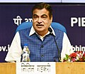 Nitin Gadkari addressing a press conference after signing of MoU between MoWR and Chief Ministers of six states viz Uttar Pradesh, Delhi, Uttarakhand, Rajasthan, Himachal Pradesh and Haryana regarding the Lakhwar Dam Project.JPG