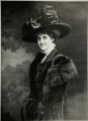 Noémie Halphen (1888-1968), baronne de Rothschild.png