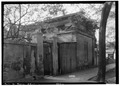 OLD SLAVE KITCHEN. REAR (SOUTH) AND EAST SIDE - Bibb-Goldthwaithe-Arrington House, 203 Church Street, Montgomery, HABS ALA,51-MONG,11-25.tif
