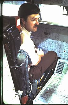 James E. Oberg visits the Space Shuttle orbiter trainer at the Johnson Space Center, Dallas, Texas, 1978