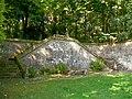 Ognon (60), parc d'Ognon, escaliers et terrasse à l'ouest du miroir d'eau.jpg