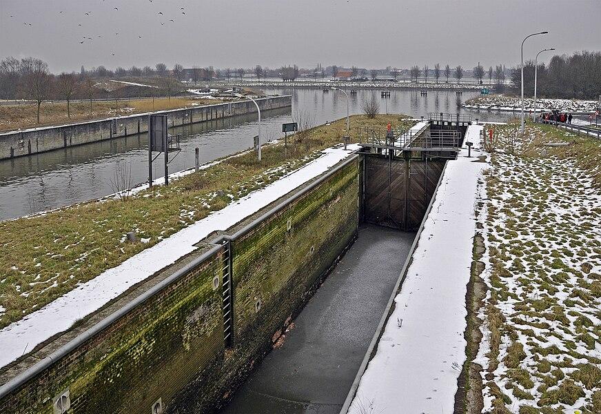 Ooigem (Wielsbeke, Belgium): old lock, 1872