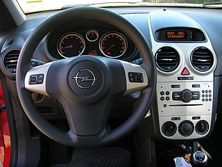 File opel corsa d armaturen jpg wikimedia commons for Opel corsa 2010 interior