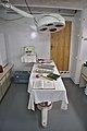 Operationssaal mit Narkose Instrument (29233408087).jpg