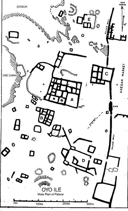 Uma análise da velha área delimitada do Palácio de Oió[4]