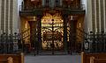 Paderborn, Dom, perspektivisches Gitter vor dem Margarethenaltar.jpg