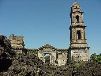 Nuevo San Juan Parangaricutiro - Church ruins of the original San Juan Parangaricutiro