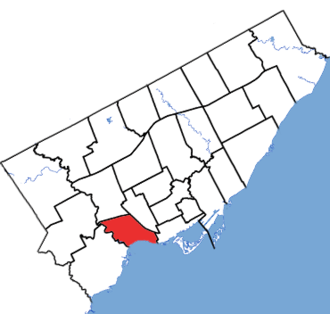 Parkdale—High Park - Parkdale—High Park in relation to the other Toronto ridings (2015 boundaries)