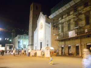 Collegiate Church of St. Martin, Pietrasanta - View of the church by night