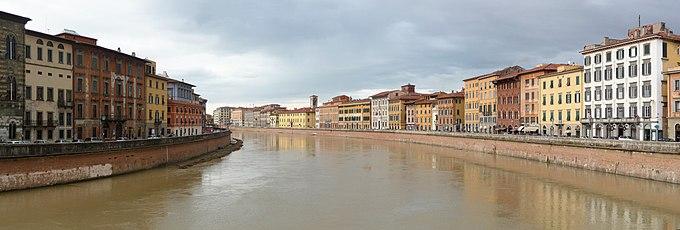 Pisa Arno Panorama.jpg