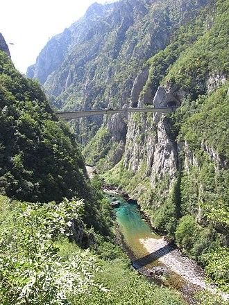 Piva (river) - Bridge over the Piva River canyon