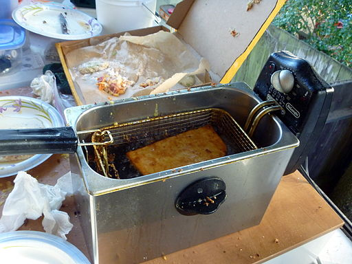 Pizza in deep fat fryer 1