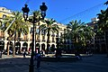 Placa Reial, Barcelona (1) (31128724392).jpg