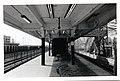 Platform, view of platform staircase to elevated walkway over southbound tracks, Savin Hill MBTA station (25479705716).jpg