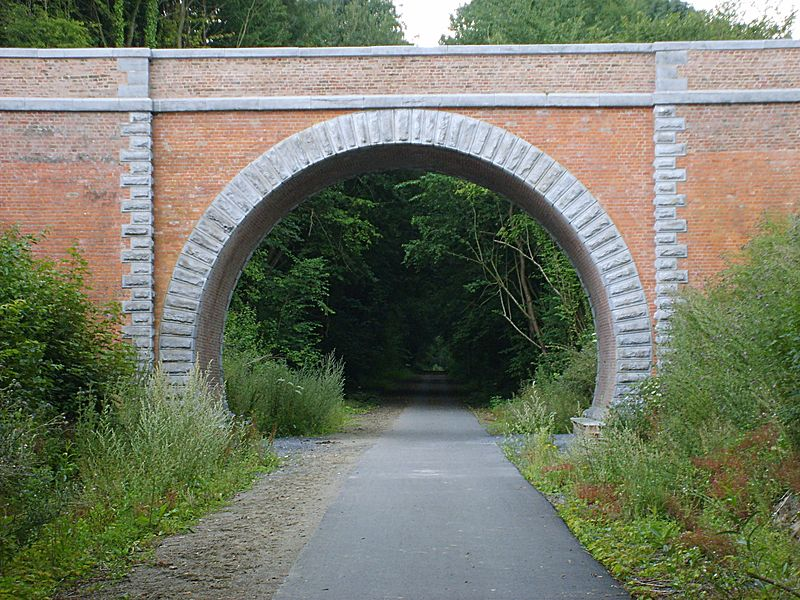 Vellereille-les-Brayeux (Belgium), bridge over the former railway line 108 (RAVeL network).