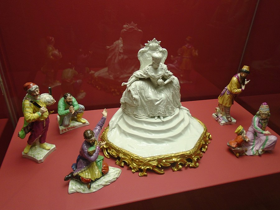 Porcelain by Meyer in the Hermitage 2020-12-01 (1).jpg