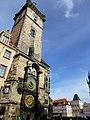 Prag - Rathausturm mit der berühmten Rathausuhr - Radnice se slavným orlojem - panoramio.jpg