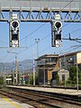 Prato train station-platform 08.jpg