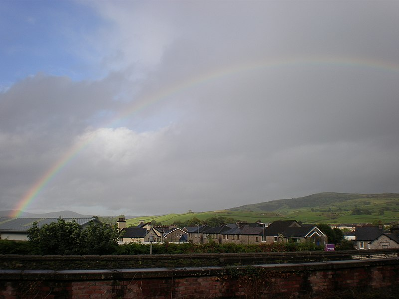 File:Rainbow over Kendal (9787602535).jpg
