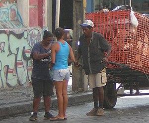 Social apartheid in Brazil - Image: Recife 2005 JAN 25 Garbage Collection