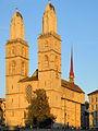 Reformiertes Grossmünster mit Kreuzgang 2012-09-15 19-08-53.jpg