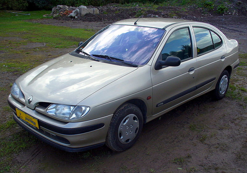 800px-Renault_M%C3%A9gane_Classic_Century.JPG