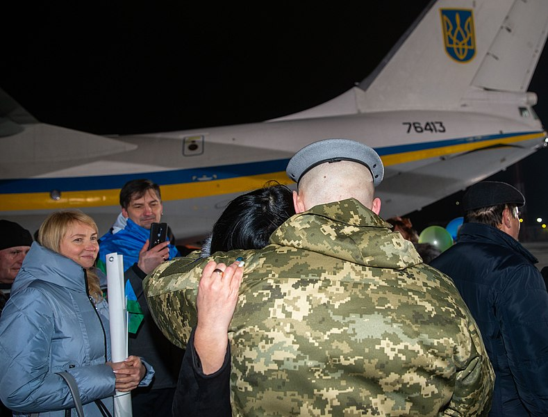 Return of liberated citizens to the territory controlled by Ukraine (2019-12-29) 002.jpg
