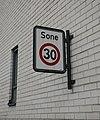 Road sign speed 30 (Norway) (1).jpg