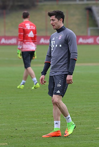 Robert Lewandowski - Lewandowski training with Bayern Munich in 2017